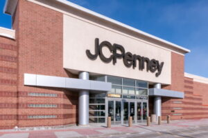 ST. PAUL, MN/USA - MARCH 3, 2019: JC Penny retail store exterior and trademark logo. J. C. Penney Company, Inc. is an American department store chain.